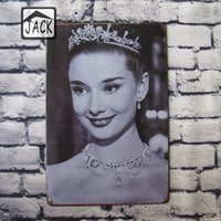 Audrey Hepburn Placas de lata de vintage Bar Club Bar Cafe Shop Galeria Lounge Room Home Decoração para a parede Retro Tin Plaques Metal Art Poster