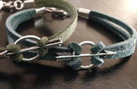 ingrosso cavi di bracciale in argento-20pcs Green Arrow Bracelet Oliver Queen ispirato Suede Cord, Silver Arrow Bracelet - Comic Superhero Nerd Geek Jewelry