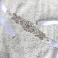 elfenbein rotes hochzeitskleid großhandel-Luxus Brautgürtel Strass Hochzeitskleid Brautaccessoires Gürtel Weiß Elfenbein Blush Schwarz Rot Silber Braut Schärpen versandfertig