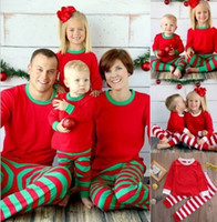 2017 Family Matching Christmas Pajamas Family Clothing Mother Daughter Father Son Clothes Sets Family Style Set