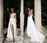 kapalı beyaz bohem elbiseler toptan satış-2017 Yaz Plaj Dantel Şifon Gelinlik Sweep Tren Beyaz Kılıf Kapalı Omuzlar Kapalı Düğmeler Bohemian Gelin Törenlerinde Ucuz