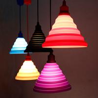couleurs modernes achat en gros de-Moderne Pendentif Lumières Mode Simple Coloré Silicone Lampes DIY Conception Changeable abat-jour Douze couleurs E27 Titulaire