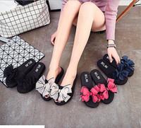 flat rhinestone casamento sandálias venda por atacado-2017 verão sapatos femininos sandálias canal feminino strass flats confortáveis aleta gladiador sandálias sapatos de festa de casamento Livre