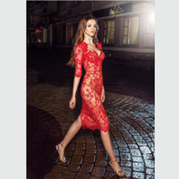 bonitos apliques de encaje al por mayor-Vestidos de noche transparentes de encaje con apliques bastante rojos con medias mangas Hasta la rodilla Vestido corto de cóctel Vaina Vestidos formales delgados