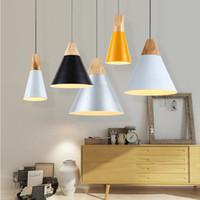 abat-jour en aluminium achat en gros de-Lampes suspendues en bois modernes Lamparas Abat-jour en aluminium coloré Luminaire Lampes de la salle à manger Lampe suspendue pour l'éclairage de la maison