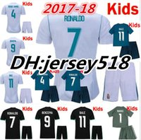 Wholesale Boys Football Jersey Xl - 17 18 Real Madrid kids soccer jersey kits child jerseys kits 2017 RONALDO Asensio SERGIO MODRIC RAMOS MARCELO BALE ISCO football shirts