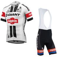 кружевные майки оптовых-TOUR DE FRANCE 2017 GIANT-Alpecin КОМАНДА с коротким рукавом про Велоспорт Джерси Велосипедная рубашка / велосипед BIB Шорты мужчины езда на велосипеде одежда D2101