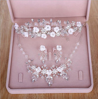 Wholesale Dimond Necklaces - Sparkling Silver Plated Bridal Jewel 3 Pieces Wedding Accessories Necklace Crown Earring Dimond Flowers Sets For Prom Party Jewelry