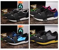 zapatillas de malla de corte bajo al por mayor-2018 Nuevo Nombre Marca Colores Mezclados Calzado Casual Hombre Mujer Race Runner Shoes Diseñador de Moda Plano Low Cut Patchwork Cuero Mesh Run Shoe