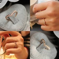 Wholesale Cute Unique Gifts - Hot Sale Fashion Unique Women Ring Cute V Shaped Shining Crystal Ring Heart anel masculino Drop Shipping