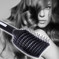 Compra Capelli Disegna Il Salone-Spazzola per capelli del pettine di massaggio del cuoio capelluto del salone di modo Professionale Detangle Paddle Hairbrush Parrucchiere Styling Tools Arched Design