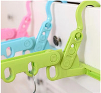 Wholesale The travel hangers are portable and the clothes hangers can be hung in the bathroom