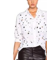 frauen bluse sterne groihandel-2017 Gold Sterne Langen Ärmeln Pyjamas Stil Top Printed 100% Echte Seide Mit Taschen Lady Top Bluse Frauen Neueste EQ Blusen Shirts