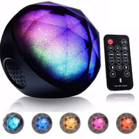 Lecteur De Haut-parleur Portable Portable Rechargeable Pas Cher-Ball Bluetooth Speaker, portable sans fil rechargeable Changer de couleur Music Player Mobile Phone Remote Disco Party LED Colorful Rainbow Light