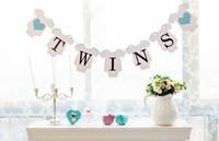 zeichen fotos großhandel-Wholesale- Freies Verschiffen 1 Satz Zwillinge Banner Baby Shower Garland Zeichen Foto Requisiten Kindergeburtstagsfeier Dekoration