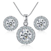 Gorgeous 18K en or blanc plaqué rond AAA + Clear Austrian Crystal Cluster Stud Earrings Chaîne pendentif Collier Fashion Jewelry Sets