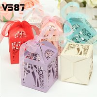 Vente en gros-12pcs / lot Wedding Favors Wedding Party Décoration Papier Avec Ruban Cadeaux Candy Box 6 Color Choice Chocolat Boxes
