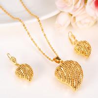 ingrosso pendente del cuore giallo-Set di gioielli con ciondolo a cuore Set di orecchini classici per collane 24k in oro giallo massiccio con diamanti GF Arab Africa Dowry da sposa