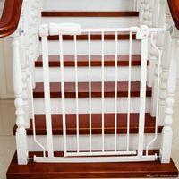 valla de escaleras al por mayor-Baby Playpens Puerta para mascotas Cerca de la escalera Fácil Cerrar Puerta de metal Barreras de seguridad 76x71CM Proteger el bebé seguro Control de mascotas Configuración rápida