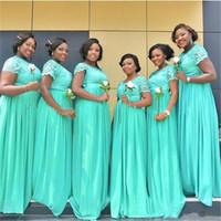 vestidos de dama de honor verde africano al por mayor-Mint Green Plus Size Vestidos de dama de honor largos 2019 Sudafricanos Dubai Sheer Cuello redondo Encaje Gasa Vestidos de dama de honor Vestidos de baile baratos