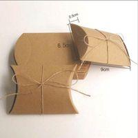 weißes kraftpapier großhandel-2color Gift Wrap White und Kraftpapier Pillow Favor Geschenkbox Wedding Party Favor Geschenk Candy Boxes Paper Box Taschen ohne Bänder