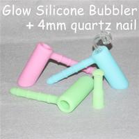 produits de cire à ongles achat en gros de-Nouveaux produits brillent dans l'obscurité Bubbler Oil Rigs Hammer Design pipes + 4mm Quartz Nail Accessoires Wax Dab Rig Collecteur de Nectar en Silicone
