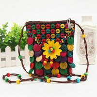 Barato Saco Do Handmake-National Handmake Coconut Shell Designer Bag Small Mini Sacos quadrados Beaded Flower Cross Body Bag Sacos de telefone Bolsa de moedas