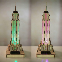 Atacado- Nova chegada Criativo 3D Puzzle Modelo solar Venda quente Empire State Building LED Color Change Light Light Lifelike Home Decoration