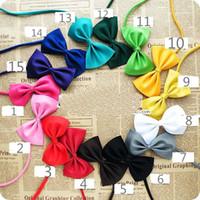laços para gatos venda por atacado-Atacado Pet cocar Dog neck tie Dog gravata borboleta Cat tie Pet grooming Suprimentos Multicolor pode escolher