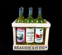 miniatur sammlerstück großhandel-Sammlerstück 1: 6 Puppenhaus Puppenhaus Miniatur 6 Champagner Wein Bierflaschen auf Kistenholzhalter Mini Simulationsmodell Kühlschrankmagnet