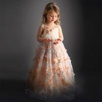 ingrosso modello di vestito da compleanno-Vestito da ragazza di fiore Blush Lace Ruffle Butterfly modello Ball Gown Little Girl Birthday Party Dresses Abito da sera KD027