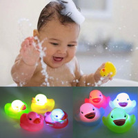 Wholesale Led Light Rubber Ducks - Beach Toy Rubber Duck Bath Flashing Light Toy Auto Color Changing Baby Bathroom Toys Multi Color LED Lamp Bath Toys