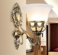 antika duvar lambaları toptan satış-Tek duvar aydınlatma yatak odası duvar lambaları cam gölge duvar aplikleri ayna aydınlatma antika bronz