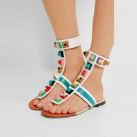 Hot Sale Summer Flat Bottom Gladiator Sandals Rebites Embellished Peep Toe Flip Flops Rome Style tornozelo Pulseira colorida Spikes Women Shoes