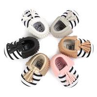 top-baby erste walker schuhe großhandel-Top-Qualität Baby Kinder Leder Slip-On Schuhe Mädchen Quaste Bowknot Mokassins weiche Leder Baby erste Wanderer Schuhe