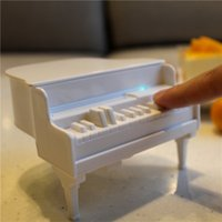 Barato Dispensador Automático De Palitos-Atacado- Novelty White Piano <b>Automatic Toothpicks Dispenser</b> UV Desinfetante Toothpick Holder Caixa Acessórios Tabela Decoração