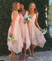 vestido asimétrico de la dama de honor del coral al por mayor-Asymmetrical High Low Boho Pink Prom Vestidos de fiesta Dark Navy V cuello corto dama de honor vestidos Bohemia Lace boda invitados invitados Vestidos de fiesta