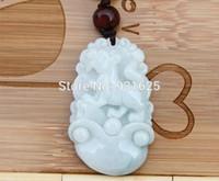 ingrosso cane di giada-Natural Jadeite Carving Chinese Zodiac Dog Pendente Lucky Jade con pendenti galleggianti collana di gioielli regalo