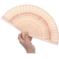 ingrosso signora giapponese-All'ingrosso- 2016 nuovo arrivo Lady cinese in stile giapponese Hollow pieghevole in legno di bambù intagliato a mano Fan 1Pc Spedizione gratuita