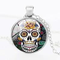collier jour mort achat en gros de-Pendentif crâne en sucre mexicain fait main, collier Jour de la mort, chaîne en bronze antique / argent, collier de bijoux en verre avec tête de mort
