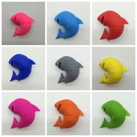 Wholesale Coffee Shark - 8 COLORS Cute Silicone Shark tea infuser Leaf Strainer Herbal Spice Filter Diffuser Filter Teapot Teabags for Tea & Coffee Drinkware T1499W