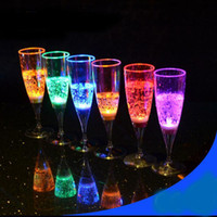 Wholesale Colorful LED Light Flashing Cup Beer bar Mug Drink Cup LED Champagne Plastic Inductive Color Cup Goblet for Party Wedding