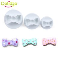 Купить Пресс-формы Для Торта-Delidge 3PCS / set Bowknot Cookie Mold Пластиковый лук Tie Cake Cutter Белый цвет Sugarcraft Fondant Plunger Mold DIY Baking Tools