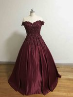 Real Accent Party Kleider Burgundy Off the Shoulder Sweetheart Applizierte Perlen 3D Blumen Plissee Bodenlangen A Line Prom Kleider