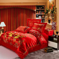 kırmızı kraliçe boyutu yorgan seti toptan satış-Toptan-Kırmızı saten yorgan seti ejderha çin düğün yatak seti baskı Modern takım elbise jakarlı yatak Örtüsü kraliçe / kral boyutu
