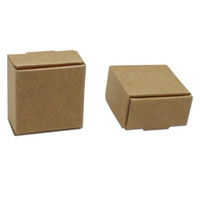 ingrosso scatola per imballaggio al cioccolato-Piccola scatola d'imballaggio di regalo della scatola di carta di Kraft di 3.7 * 3.7 * 2cm per i gioielli fatti a mano della torta del forno dei dolci della caramella della festa nuziale della festa nuziale del sapone di DIY