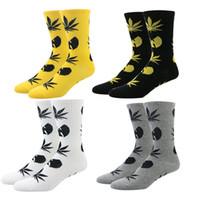 Wholesale Yellow Tang Shipping - 2017 Unisex Wu tang Maple Leaf Men Socks Cotton Fashion Hip hop Bat Pattern Socks for Men free shipping