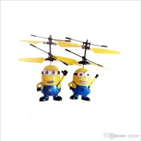 rc helicopter big al por mayor-Venta al por menor ME MaleFemale Big max Big hero Bola de cristal Despicable Fly Minion Radio Sensor RC Helicóptero Juguetes Regalos ME el mejor regalo para niños