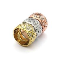 preço do anel de latão venda por atacado-Acessórios de aço de titânio por atacado padrão de corte cinto anel de broca 18 K ouro rosa e anel de diamante com um anel largo e estreito