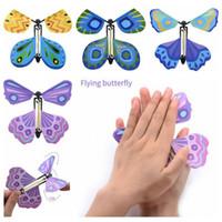 mariposas de mano al por mayor-Nuevo Magic Butterfly Flying Butterfly Change con las manos vacías Freedom Butterfly Magic Props Trucos de magia CCA6799 1000 unids
